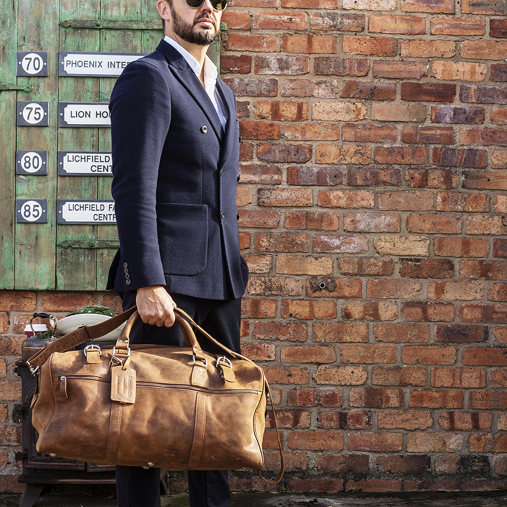 92b9b28e5 leather holdall tan Porterbello brown duffle weekend gym cabin bag